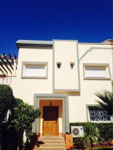 Villa Aïcha - Casablanca - House
