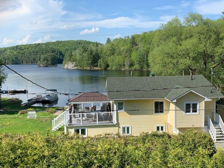 SteSha's beautiful Waterfront Retreat on Twin Lake