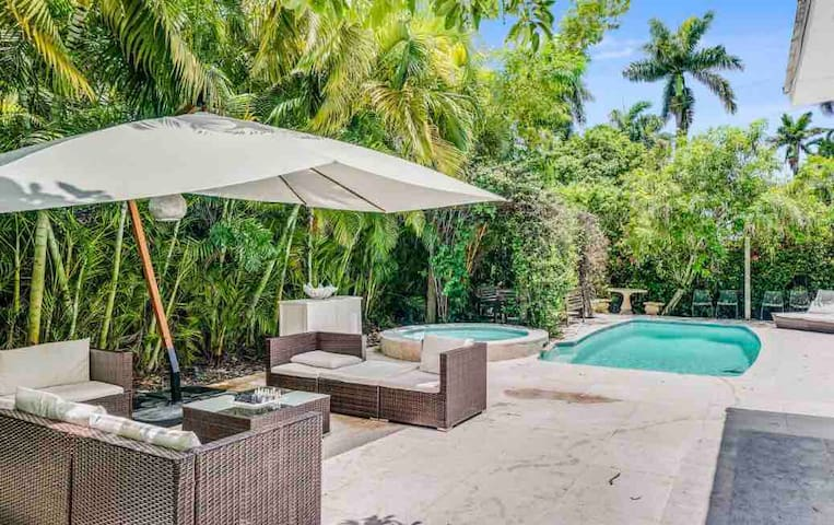 Private Island Home mins to South Beach, w Pool!
