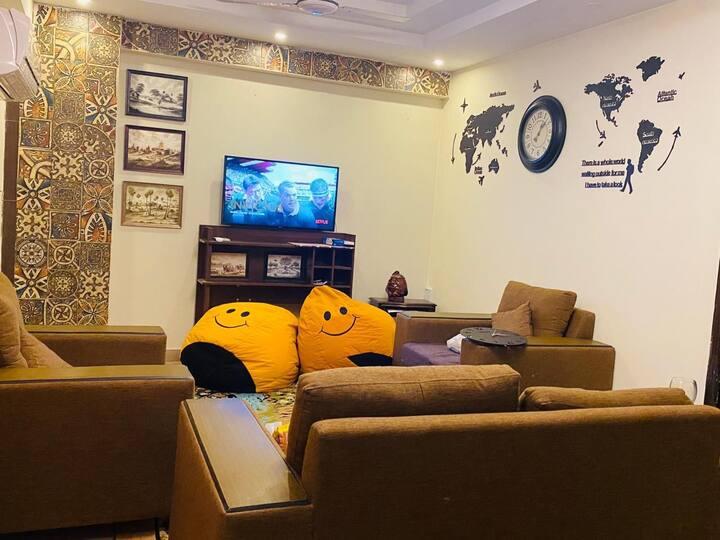 Fully furnished luxury apartment E11 wifi+netflix