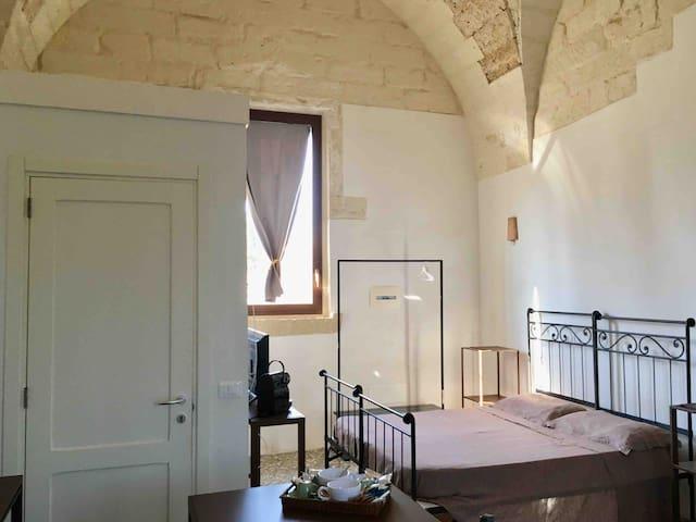 """Masseria Torre Sant'Andrea: """"il fico""""doublebedroom"""