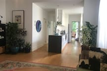 Tranquil Footscray Home close to CBD