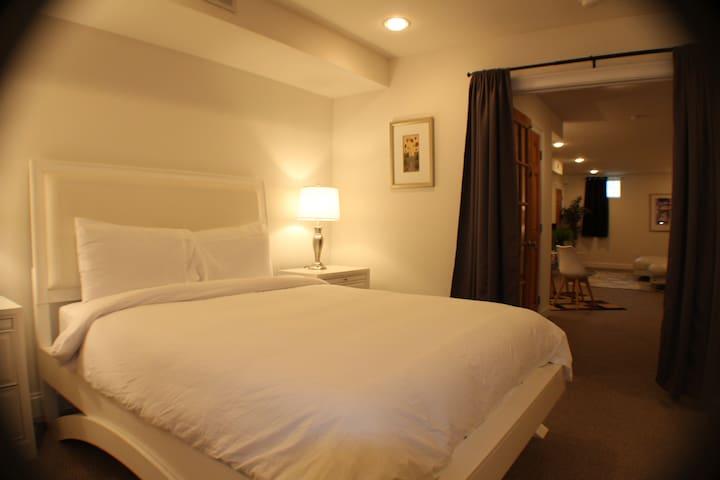 Bedroom & Living Room Expansive Suite
