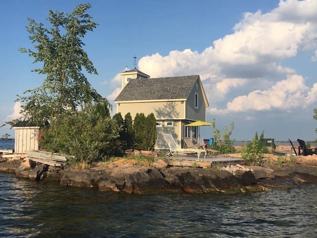Private Island in the 1000 Islands - Mallorytown - Ostrov