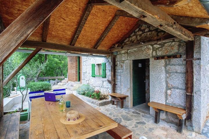Ideal casa de vacaciones en Starigrad con vistas al jardín