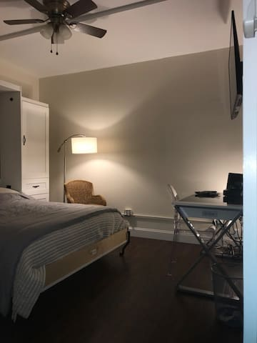 Studio in Historic Downtown JC, minutes from NYC!