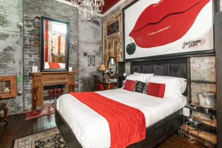 1Red Room  Private