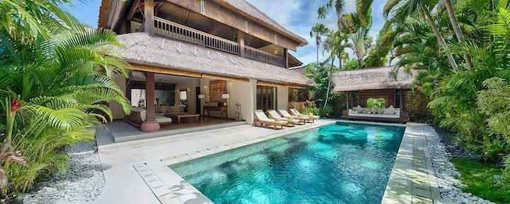 Large Family Villa With Big Private Pool Seminyak