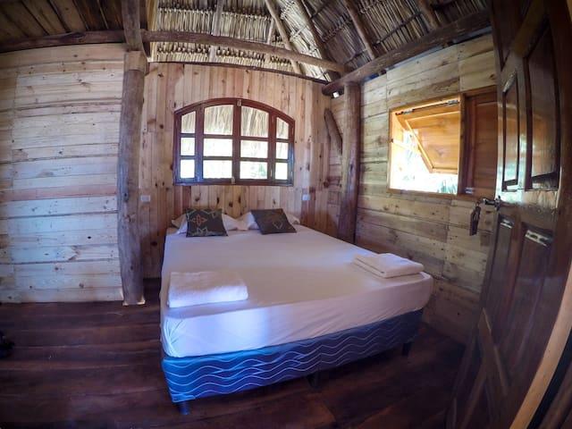 Momotombo - Family room