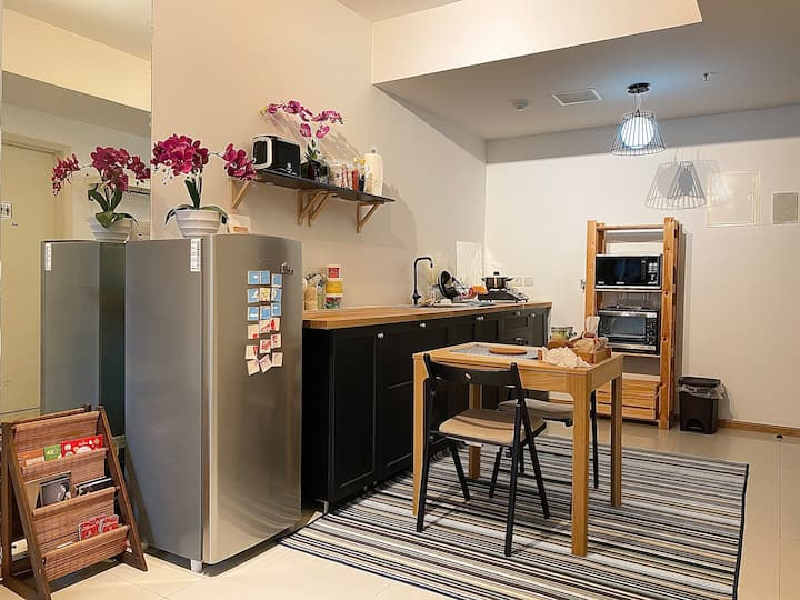 Affordable and Spacious 1BR Apt. in South Jakarta