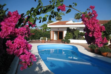 Stunning villa own pool & garden. - San Bartolomé de Tirajana