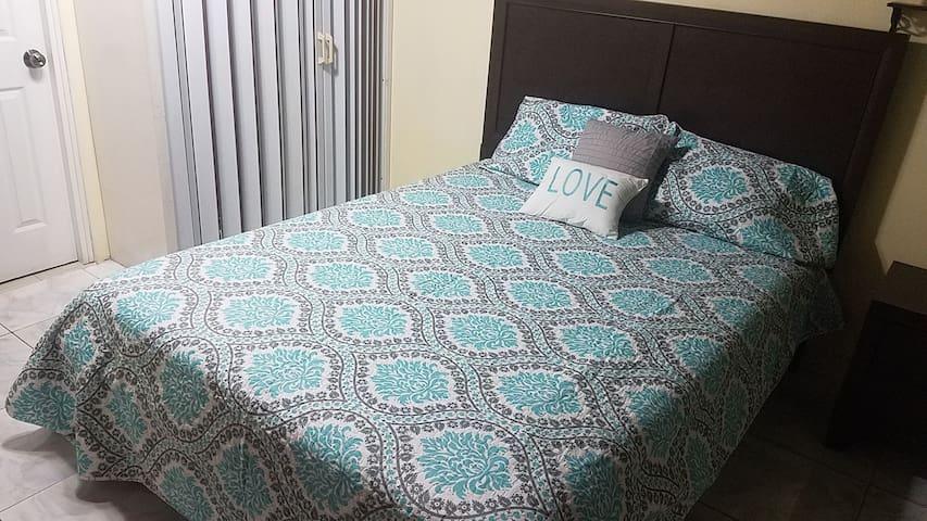 Comfortable room W/Air Conditioning & bathroom