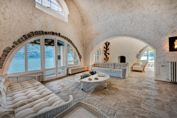 "La Filanda ""pieds dans l'eau"" sul lago di Como"