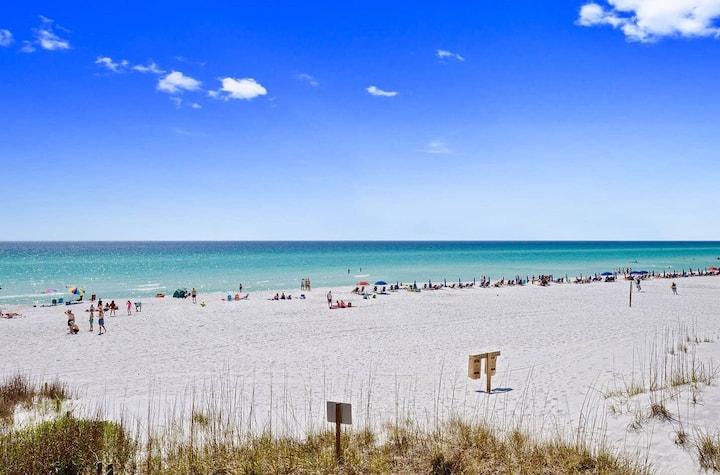 2 min walk to the Beach* Private beach House *