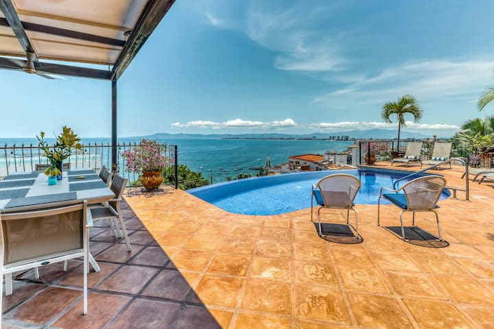 New listing! Luxurious two-story villa w/ private infinity pool & ocean views!