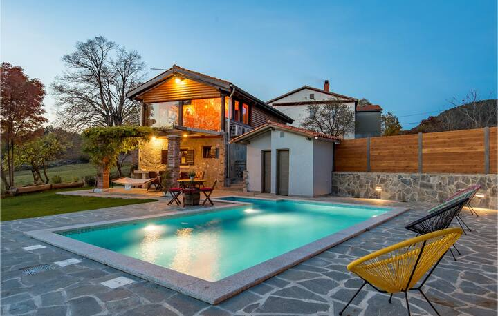 Stunning home in Lisac with Outdoor swimming pool and 3 Bedrooms