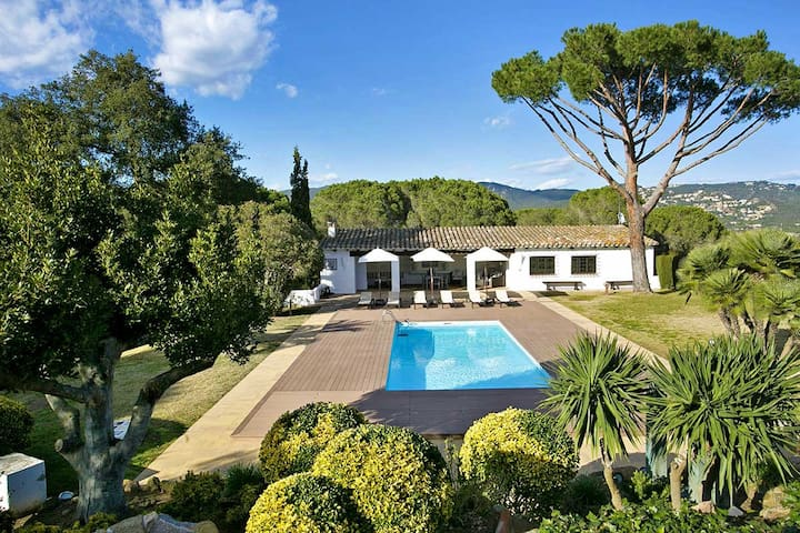 Villa Roca Rodona