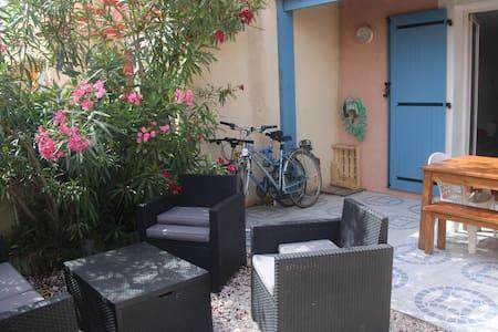 Jolie maison familiale proche plage toute équipée - Ле Баркарес - Дом