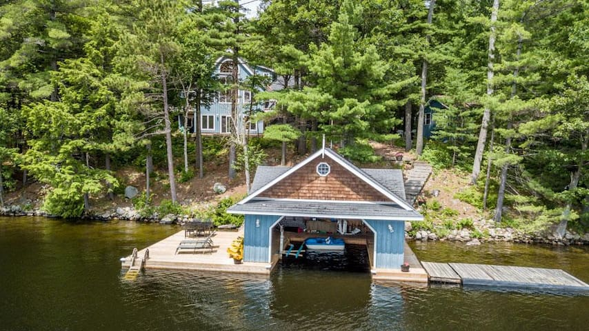 Life in Balance Fabulous Lake Rosseau 5 bed cottage