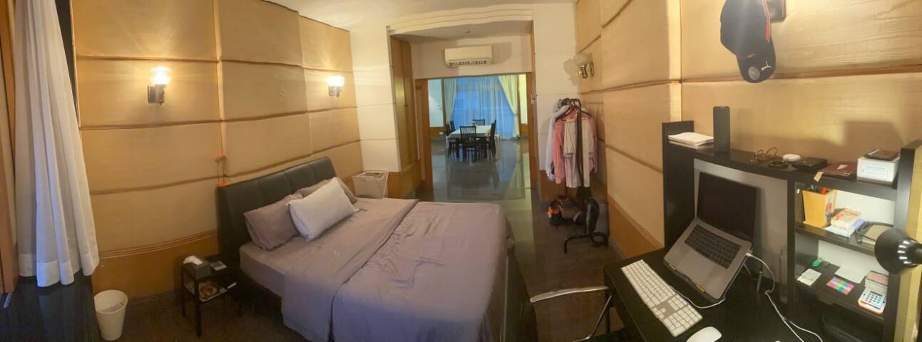 Large room - (paya lebar)