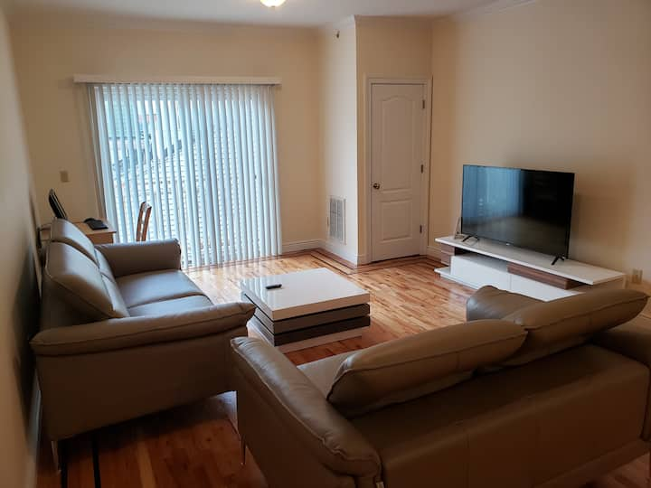 Clean private suite with access to NYC and EWR.