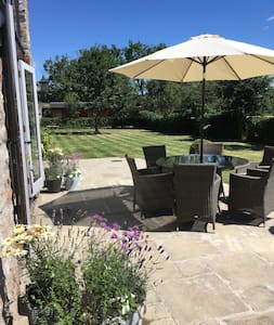 Stylish and welcoming Somerset Granary. - Compton Bishop - Bed & Breakfast