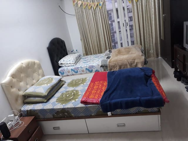 Kohinoor City Apartment