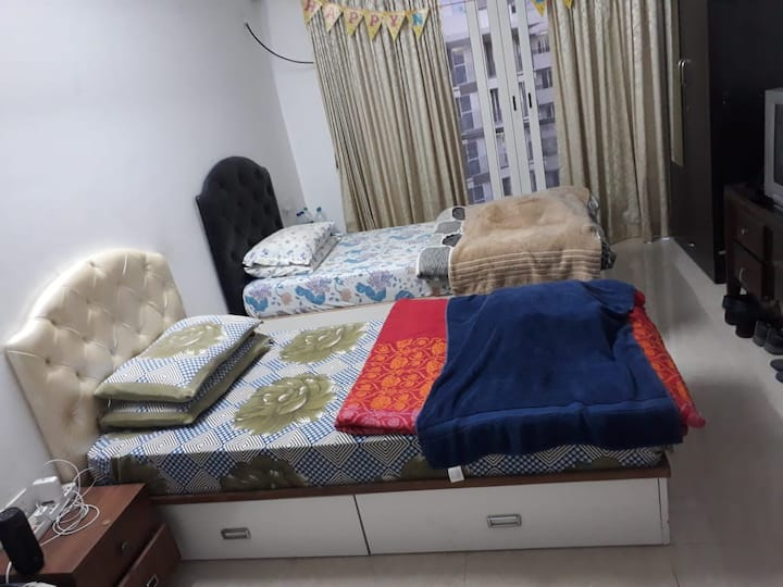 Kohinoor City Apartment