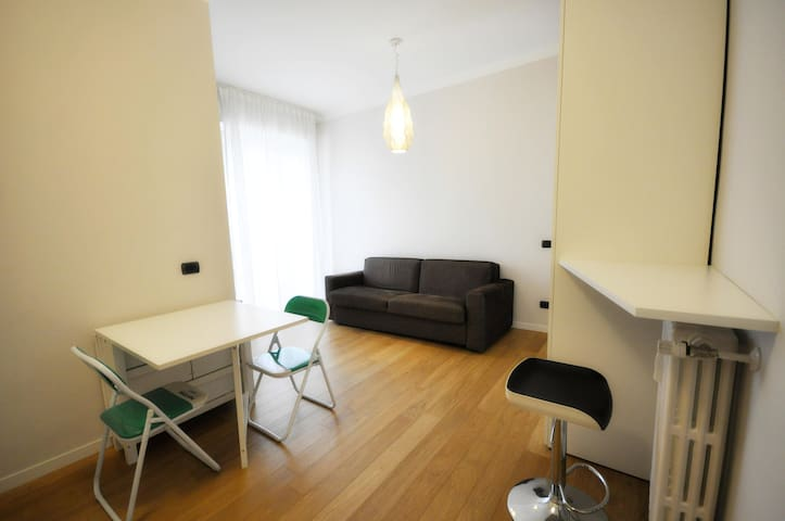 Cozy studio apartment near City Life Fiera Milan