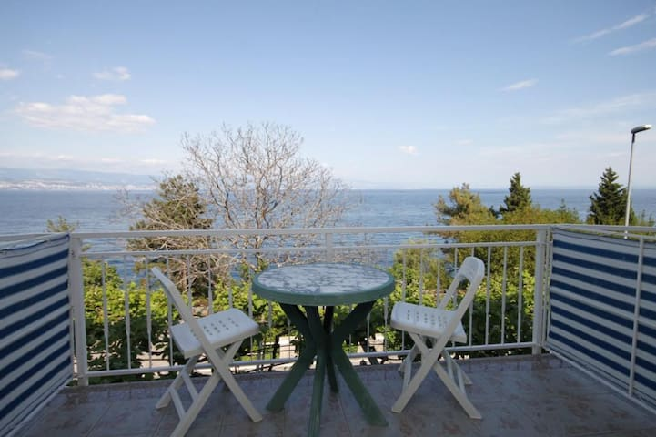 Room with balcony and sea view Medveja, Opatija (S-7775-d)