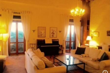 Fabulous apartment in Tuscan Castle - Panzano In Chianti - Lakás