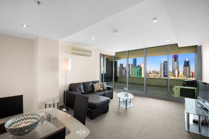 2009· MelbourneCBD-1br-wifi-pool-spa