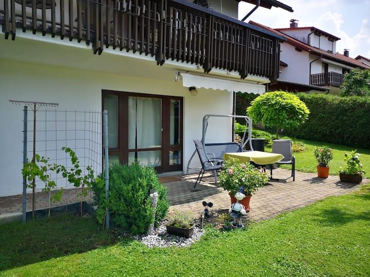 Ferienwohnung Schömberg 56m²,  eingezäunter Garten