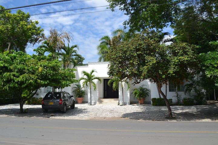 Casa Campestre el Peñon - Girardot - Girardot - Ev