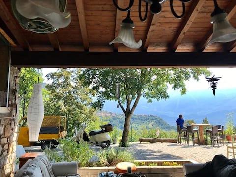 Tente avec vue sur le lac et le ciel - Lake Garda