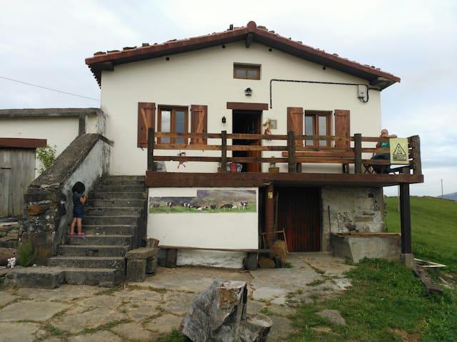 La cabaña de María - Fresnedo - ที่พักธรรมชาติ