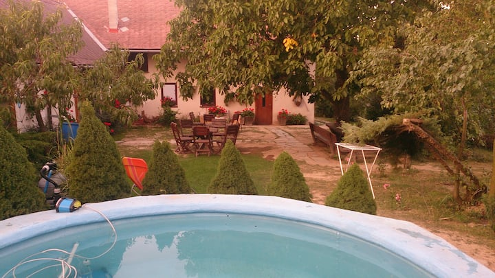 Country house with big garden, pool and sauna