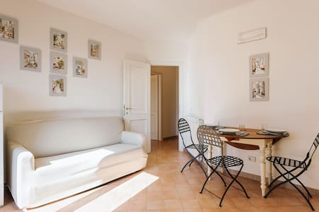 Cosy flat 5km from the sea - Varigotti