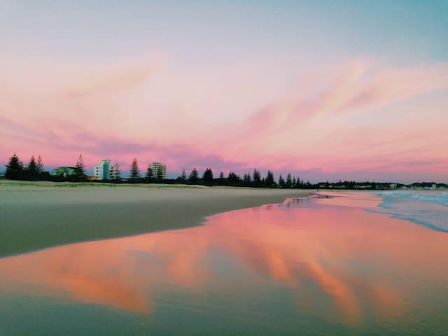 Tropicana by the Beach - Bilinga - Flat