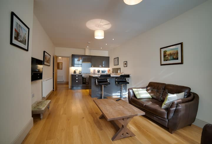 CS Serviced Apartments - Luxury One Bedroom
