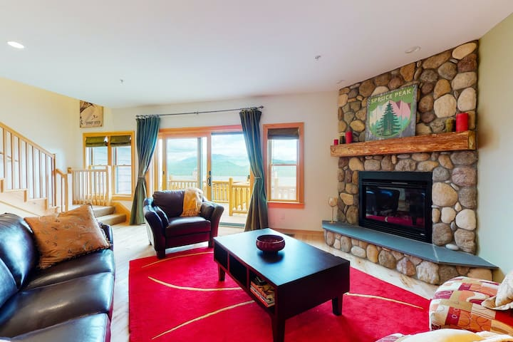 NEW LISTING! Ski-in/ski-out lodging w/ gear room, picturesque views, & more!