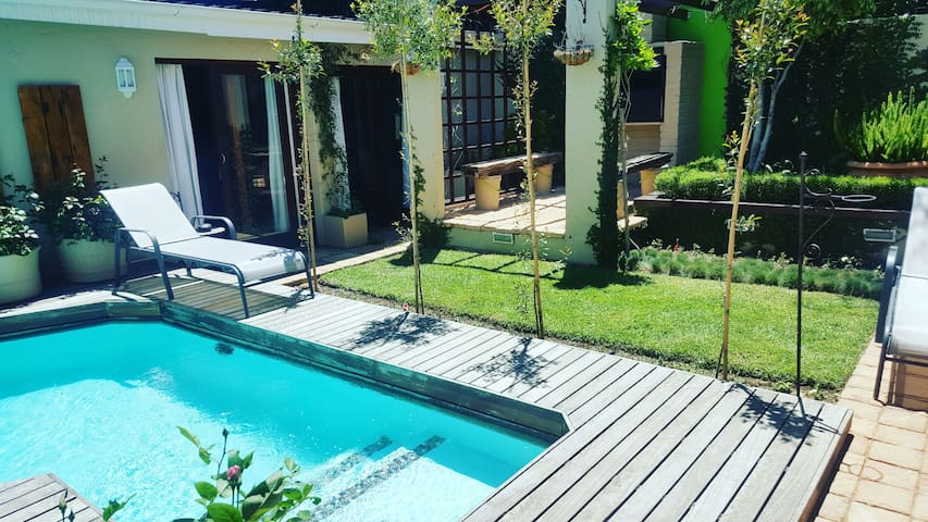 Exclusive Modern Luxury,Garden&Pool - Johannesburg - Apartment