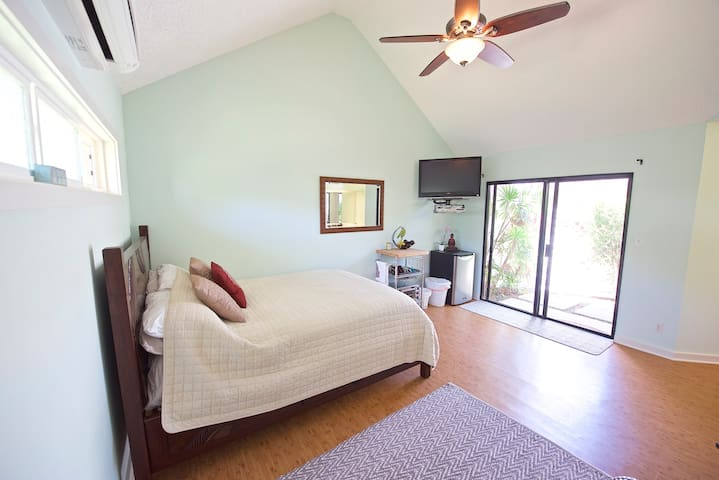 Hawaii Kai Home Perfect for Exploring Island - Honolulu - House