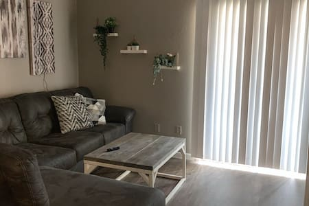 Clean Private Room , Affordable price !
