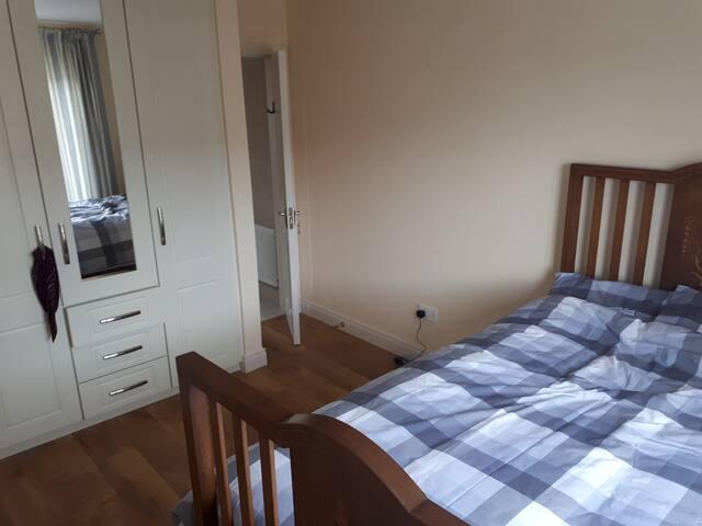 En-suite two-persons bedroom in Ennis