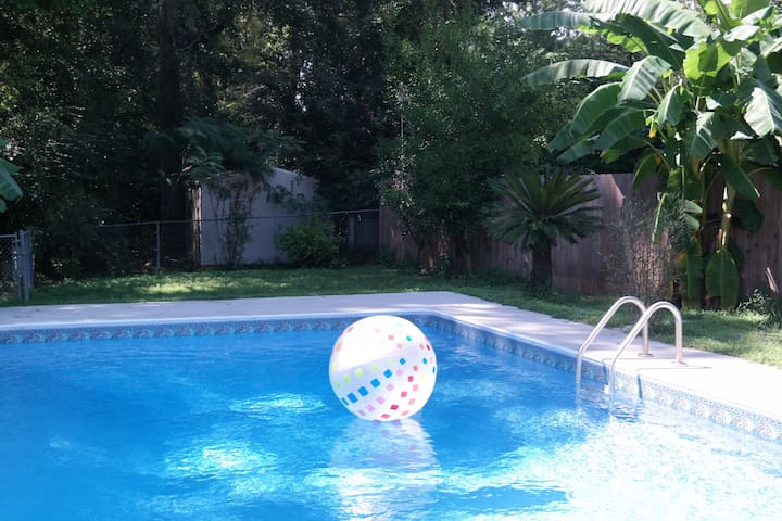 Summerville House With Private Pool