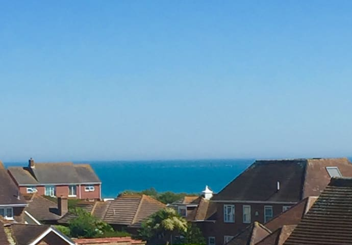One bedroom flat near the Sea. Fantastic sea views