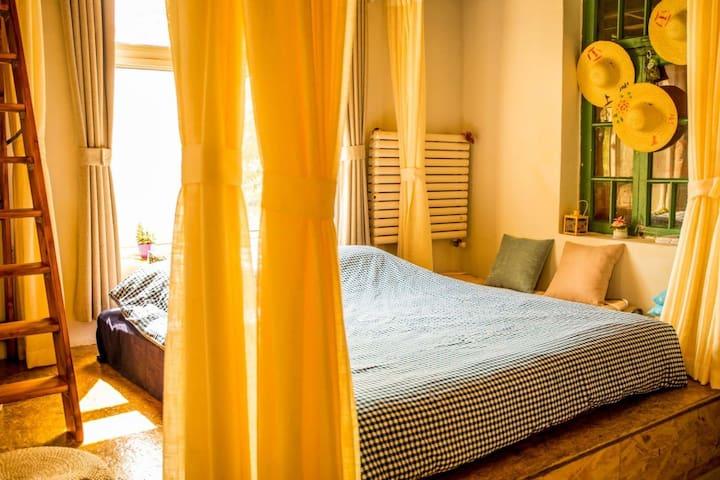 榻榻米上的床铺,干净舒适