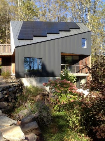 Contemporary forest eco-retreat, mountain views