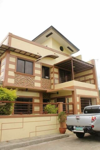 LIPA 3-storey home at Baseview Homes Subd w/ WIFI